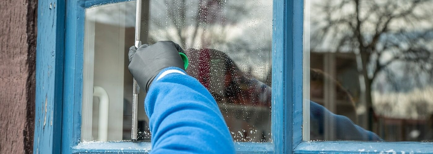 Undgå striber ved vinduespudsning